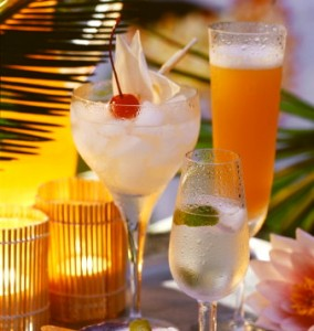 caribbean-drinks-with-rum-ti-punch-ti-doudou-rum-sour