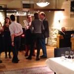 Gjestene får aperitiff på Matkurs hos Martha Mettlig
