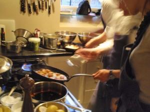 Fart i kjøkkenet på Matkurs hos Martha Mettlig