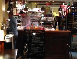 Sjarmerende bistro i Paris - Au Petit Bistrot d'Auteuil