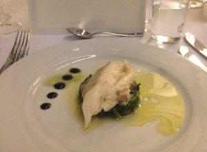 Havabbor med øster og alger, fransk meny i Oslo